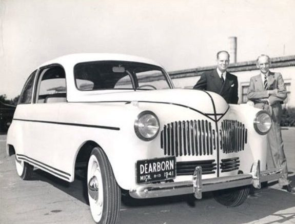 Henry Ford and hemp car