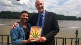 Daniel Kruse with Dan Herer of the Jack Herer Foundation at EIHA in 2016.